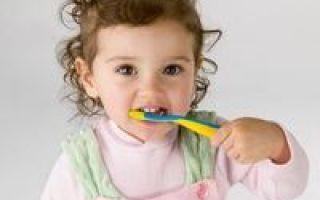 Почему гниют молочные зубы у детей