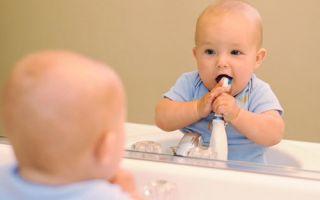 Когда режутся коренные зубы у детей