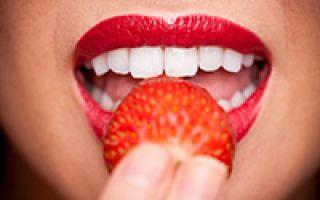 Как отбелить зубы содой