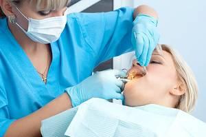 Удалять зуб мудрости или лечить