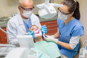 Болит мертвый зуб при надавливании