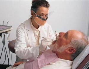 Условия предоставления льгот на протезирование зубов ветеранам труда
