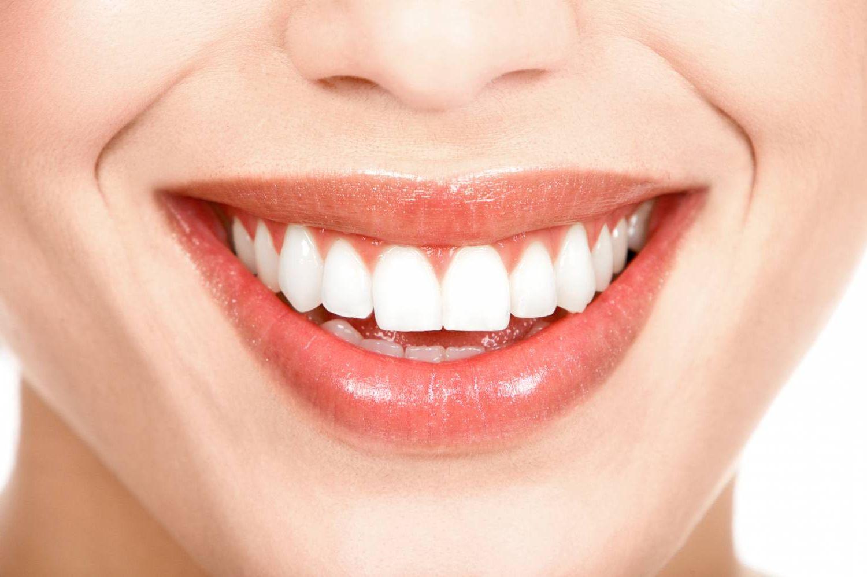 Больно ли лечить передние зубы — Зубы