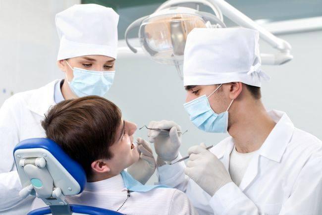 Положили лекарство в зуб болит при надавливании