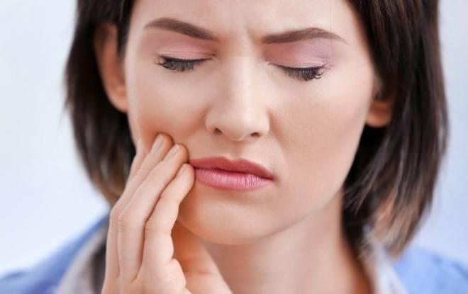 Почему болит верхняя челюсть