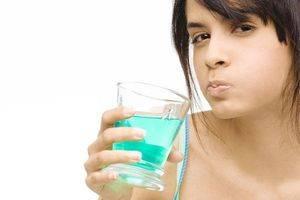 Чем полощут полость рта