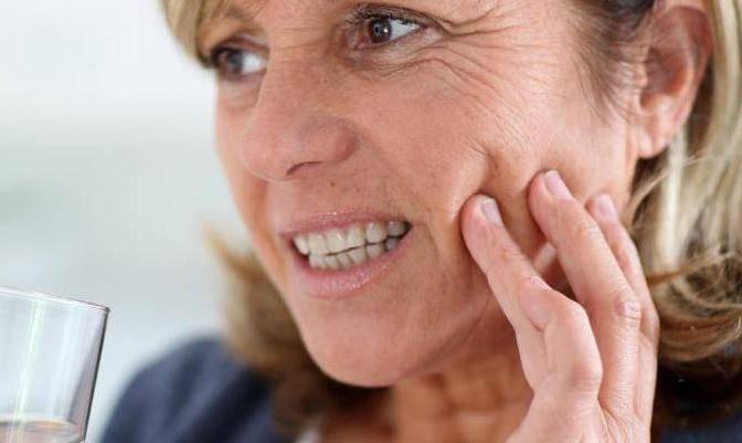 болит зуб без нерва под пломбой