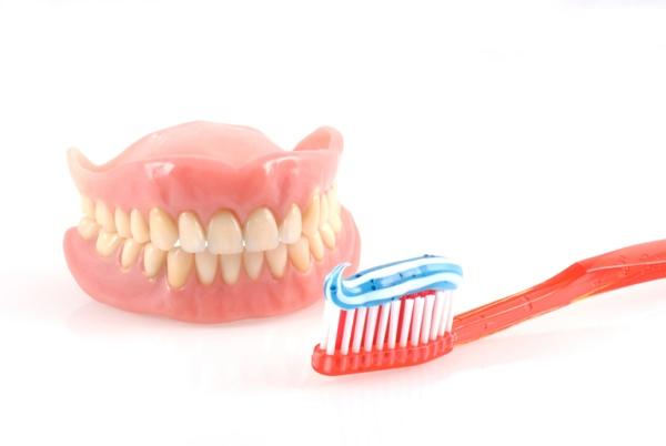 съемный полный зубной протез