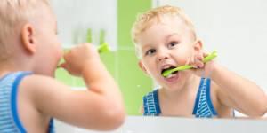 У ребенка опухла десна что делать — Зубы