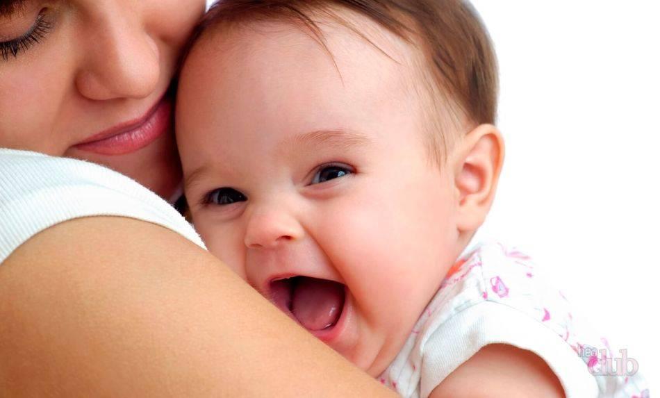Здоровый язычок малыша