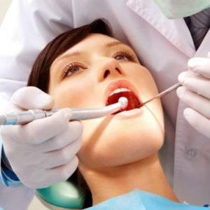 Почему болит ухо после удаления зуба?