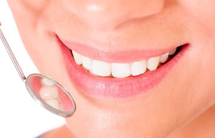 что выбрать, что лучше, имплантация или пртезирование зубов