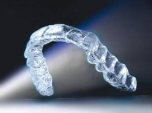 Уход за капами для выравнивания зубов