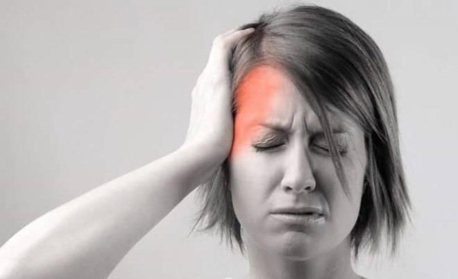Почему зубная боль отдает в висок и как ее избежать