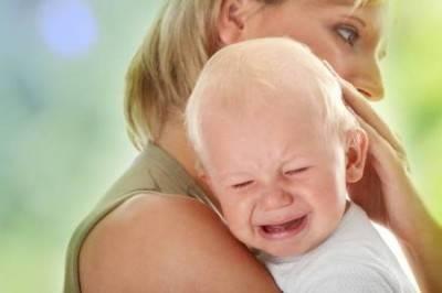 Беспокойство, плач, отказ от еды - основные признаки стоматита
