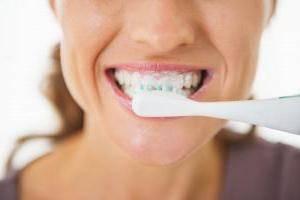 чешутся зубы у взрослого