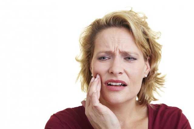Почему болит запломбированный зуб без нерва — Зубы
