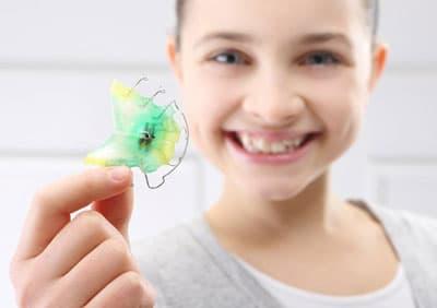 3 способа коррекции зубов без брекетов